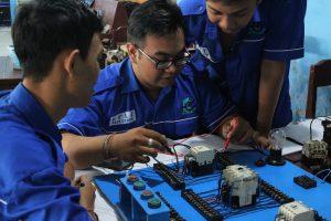 Kegiatan Praktek Jurusan Engineering Perhotelan BPLE Tiara Course